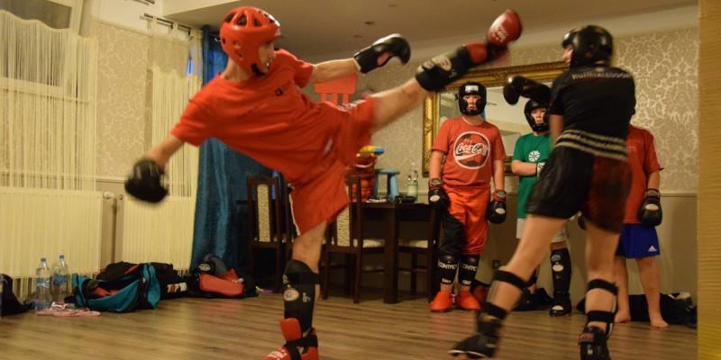 Obóz Letni Kickboxingu dla młodzieży i dorosłych